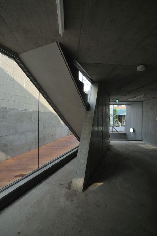 Aat Makoto Yokomizo Architects Inc Dst